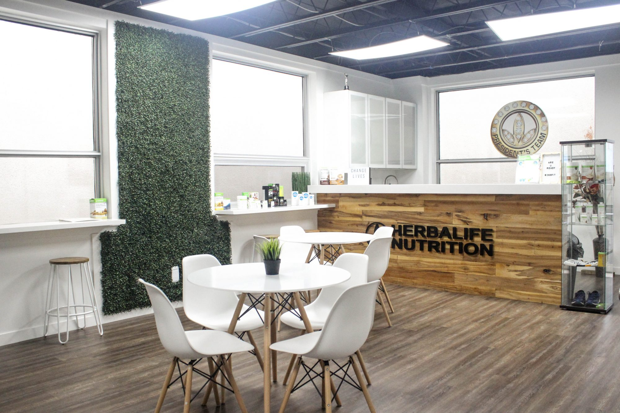 T-fitness gym Herbalife bar